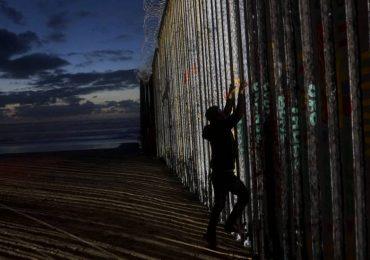 niñas muro