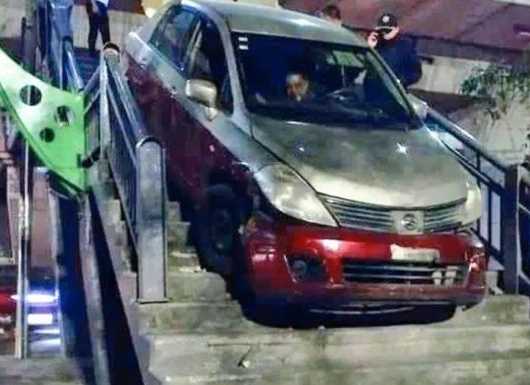 Cruzó un puente en automóvil