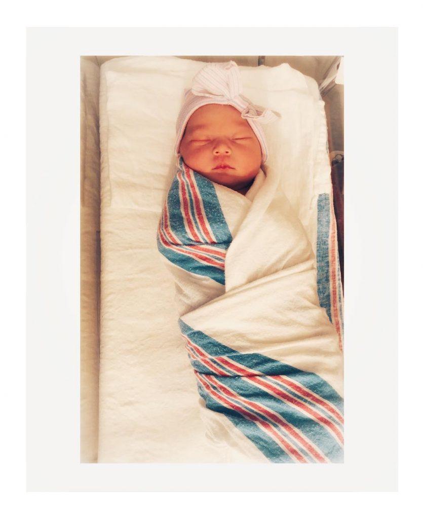 Kate Hudson comparte la primera foto de su bebé