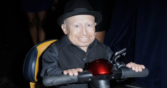 Revelan causa de muerte de actor que encarnó a Mini-Me en Austin Powers