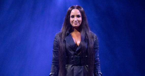 Demi Lovato reaparece tras sobredosis y rehabilitación