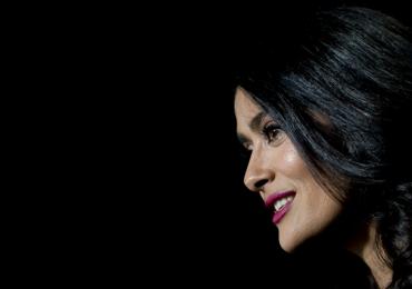 Salma Hayek presume cambio de look