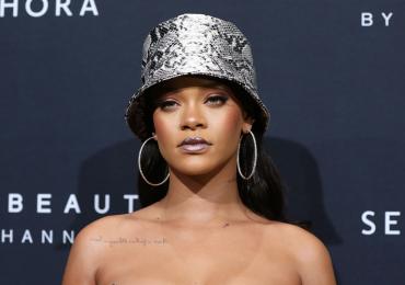 Rihanna entabla demanda contra su papá