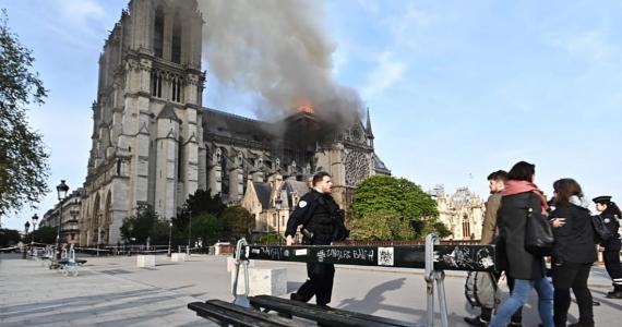 La Catedral de Notre Dame en París sufre incendio