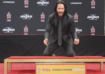 Keanu Reeves es nuevo miembro del Paseo de la Fama de Hollywood