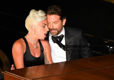 Lady Gaga y Bradley Cooper. Foto de The Grosby Group