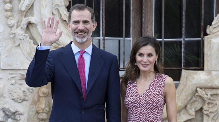 Desencuentro del rey Felipe con la reina Letizia paraliza las redes sociales
