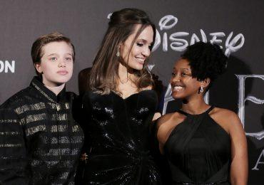 Shiloh Jolie-Pitt, Angelina Jolie y Zahara Marley Jolie-Pitt. Foto: Getty Images
